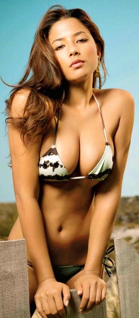 jessica-gomes-hot-sexy-630460736