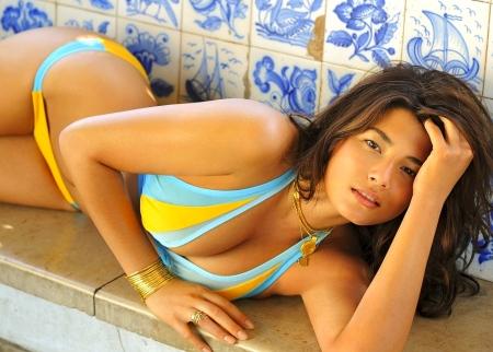 jessica-gomes-sexy-1704408844