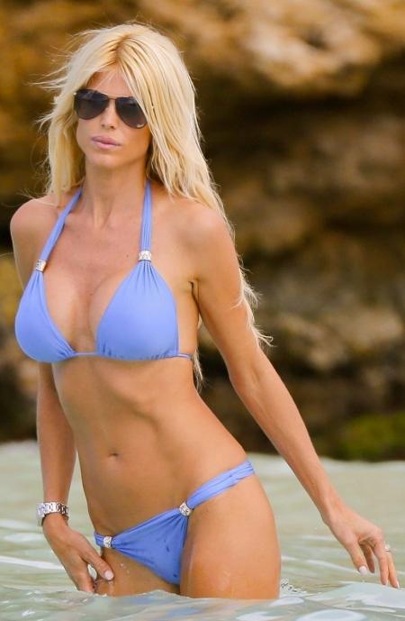victoria-silvstedt-bikini-candids-st-barts-january-1823780707