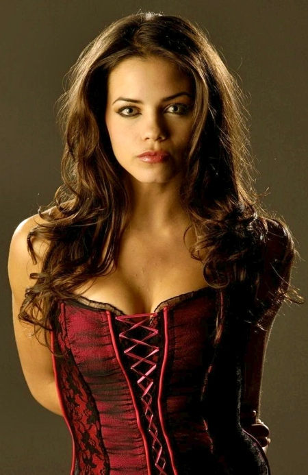 jenna-dewan-tatum-goes-crazy-cd353ea71859100903d2826060a39e4c-large-1148699