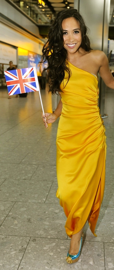 myleene-klass-in-yellow-dress-at-heathrow-airport-in-london-dress-360031585