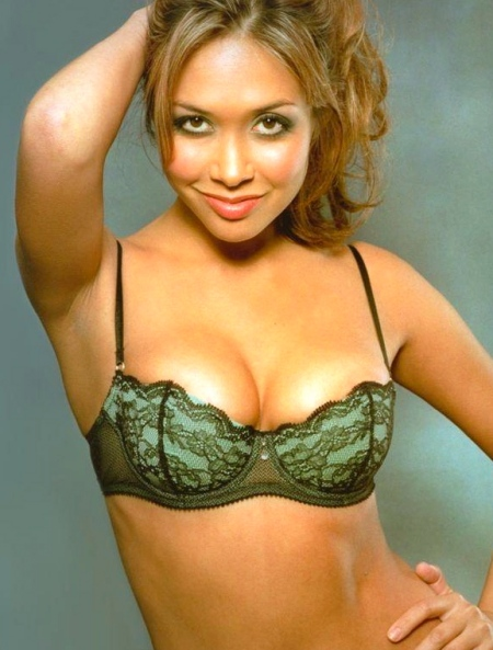 myleene-klass-jpg-jungle-932931843